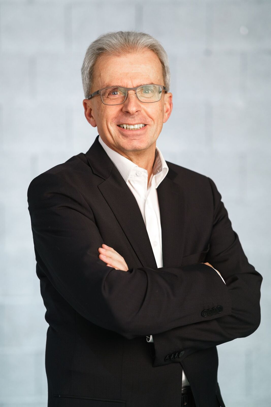 Dr. Walter Arnberger