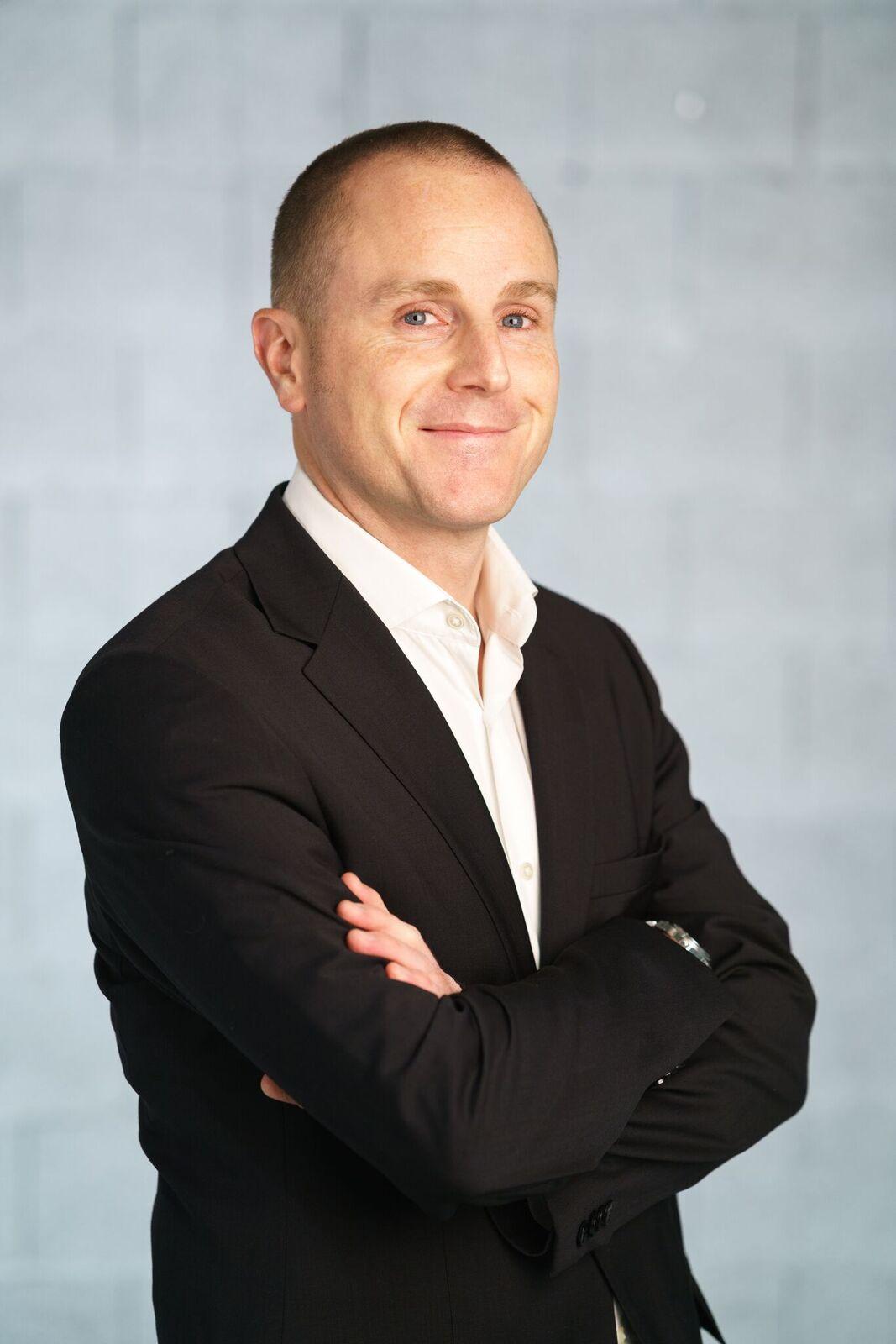 Dr. Florian Connert